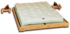 cinius lit en bois mod le nokido lit japonais lit en style japonais en pin massif scandinave. Black Bedroom Furniture Sets. Home Design Ideas